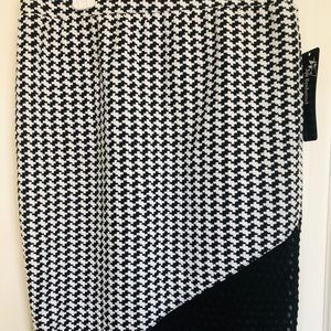 Pencil skirt black and white